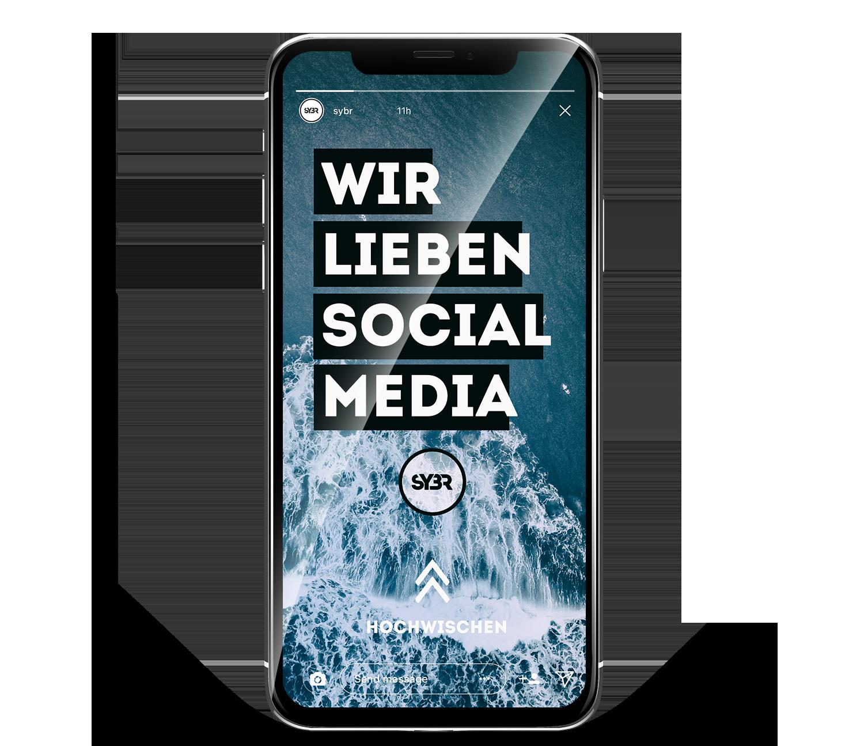 """Ein iPhone X mit einer Instagram Story von """"sybr"""" also Beispiel für Social Media Marketing"""